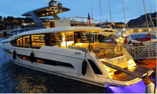 Prenez un RDV privé sur votre futur bateau avec RIVIERA PLAISANCE